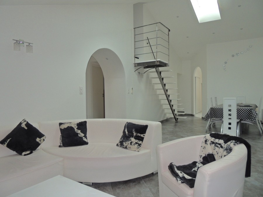 Bel appartement contemporain au coeur de Cluny