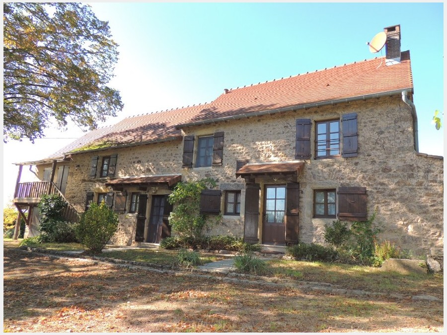 Restored farmhouse in the Brionnais, between Charolles and La Clayette