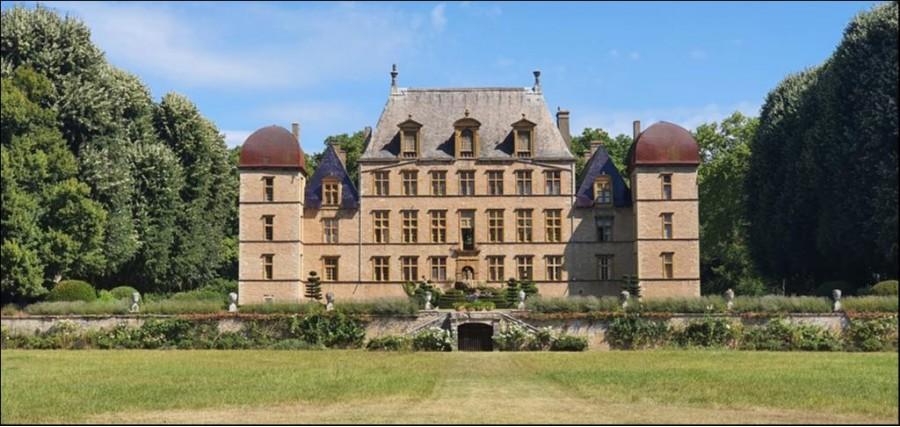 Elégant et renommé Château XVIIème classé MH